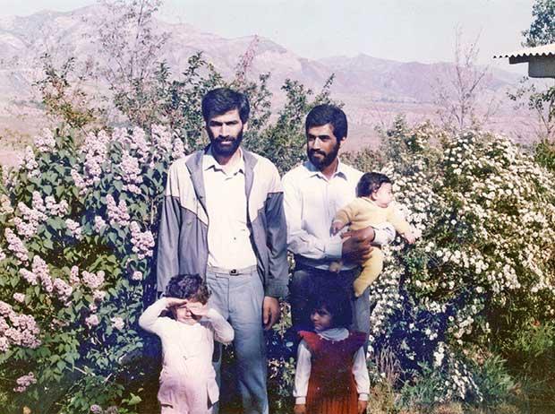 مسیح قائمیان و علی کرمانشاه در محل سد طالقان برای برگزاری مجمع شرکت داده پردازی