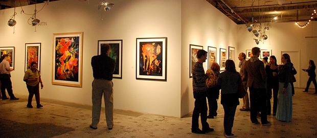 اصلا چرا شعبه بانک نباید بیشتر شبیه گالریهای هنری یا فضاهای رسانهای باشد؟