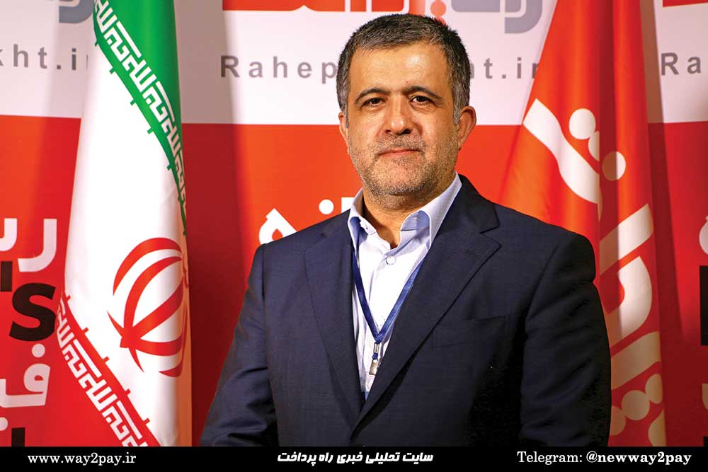 علی رضازاده، معاون فناوری اطلاعات و ارتباطات بانک انصار